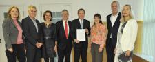 Minister Bruno Bruins geeft startschot voor beter vindbare en betrouwbare medicijninformatie