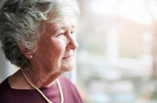 Dementia is associated with a long disease duration and a high burden of care. This has a major impact on the person with dementia, on their loved ones and on the care system. On the basis of routinely recorded health data we describe the duration and content of care trajectories of patients with dementia, starting from time the diagnosis was first recorded in primary care, via nursing  home admissions to end of life. This can support the planning of timely care and improve the understanding of - often long